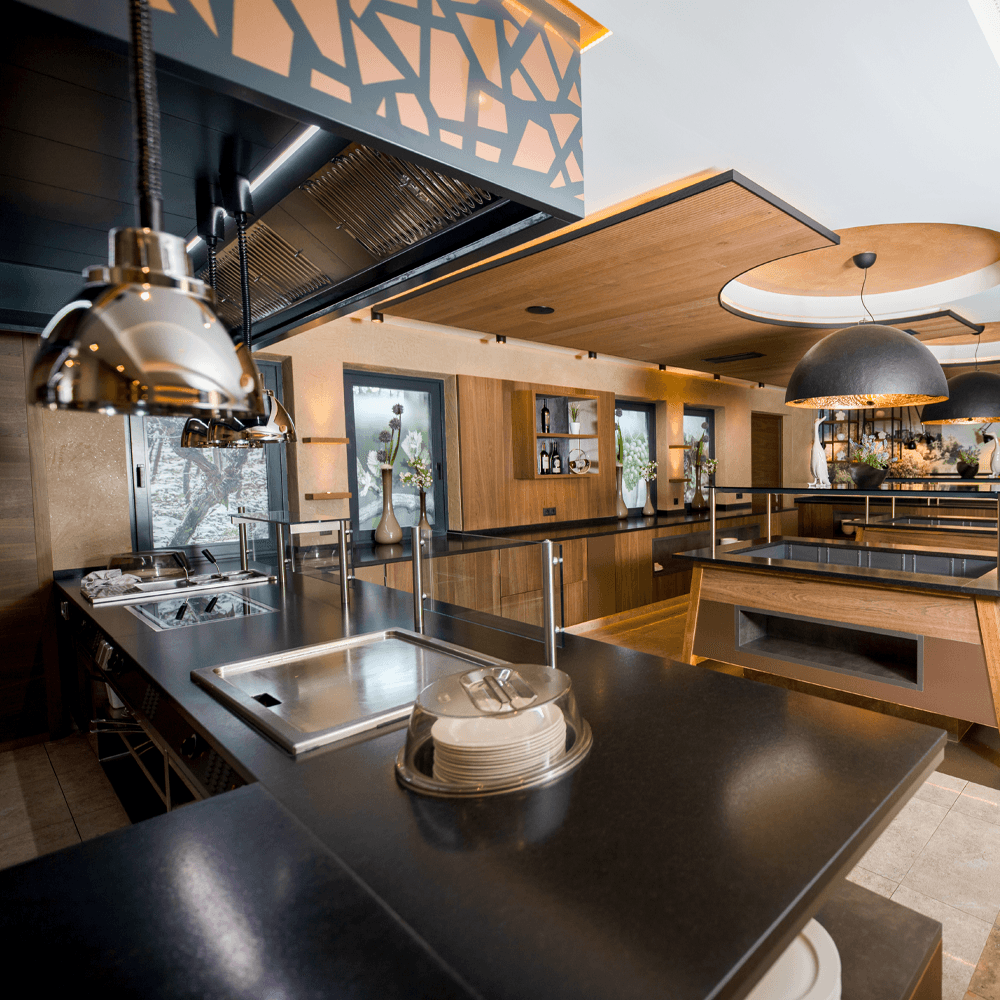 architekturfotografie modernes hotelbuffet in südtirol